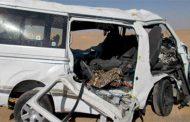 مصرع واصابة ١٢ في حادث انقلاب سيارة ميكروباص بطريق قفط بالبحر الاحمر