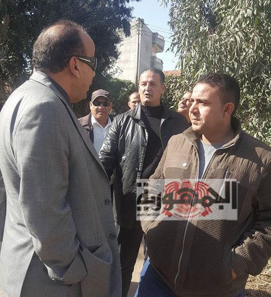 بالصور والفيديو :اللواء ياسر الحفناوي رئيس مجلس مدينة فارسكور يستجيب لمواطني شارع القنال