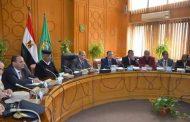 محافظ الإسماعيلية خلال المجلس التنفيذي يشيد بدور المواطنين المشرف و جميع القيادات التنفيذية خلال الانتخابات الرئاسية .