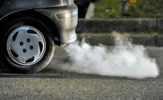 «وزير البيئة»… الشعور بعوادم السيارات «إيحاء شخصي»
