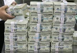 أسعار الدولار في السوق السوداء والبنوك اليوم الأربعاء 28/3/2018.