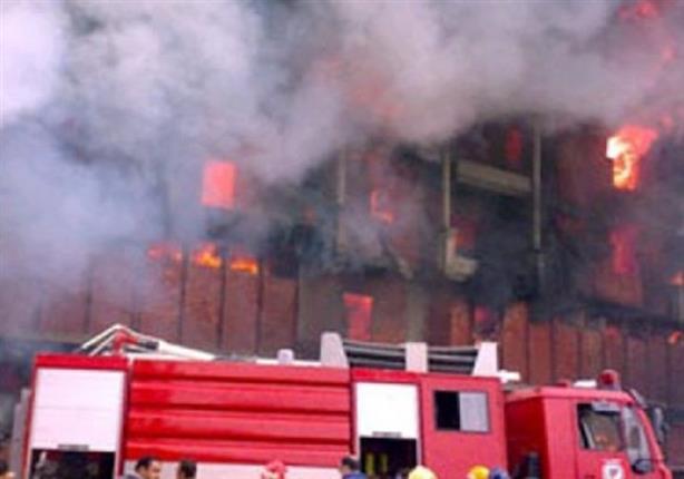 الحماية المدنية تدفع بـ 8 سيارات اطفاء للسيطره على حريق بمصنع بلاستيك بالزقازيق -شرقية