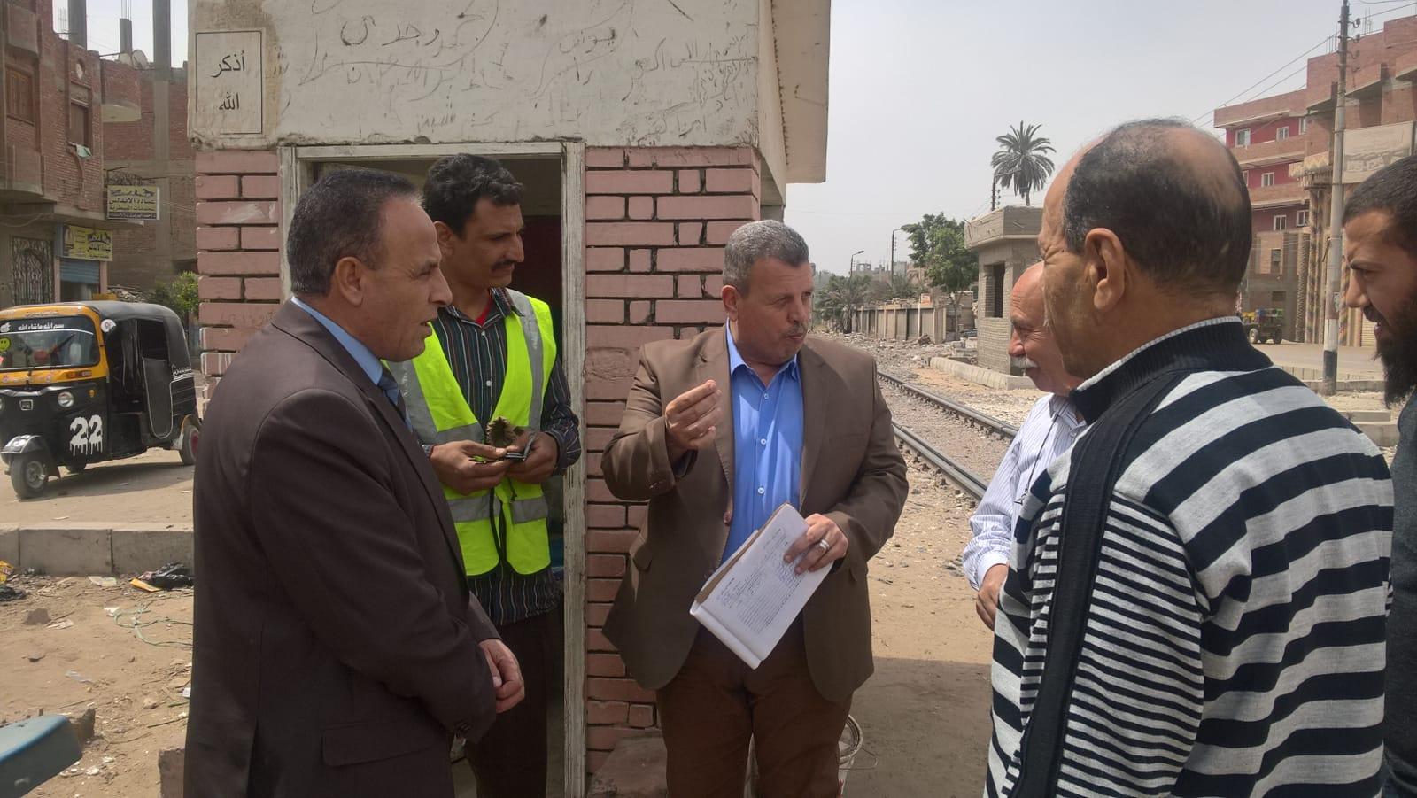 «رئيس هيئة السكة الحديد» جولة مفاجئة في نطاق المنطقة المركزية ومنطقة وسط الدلتا