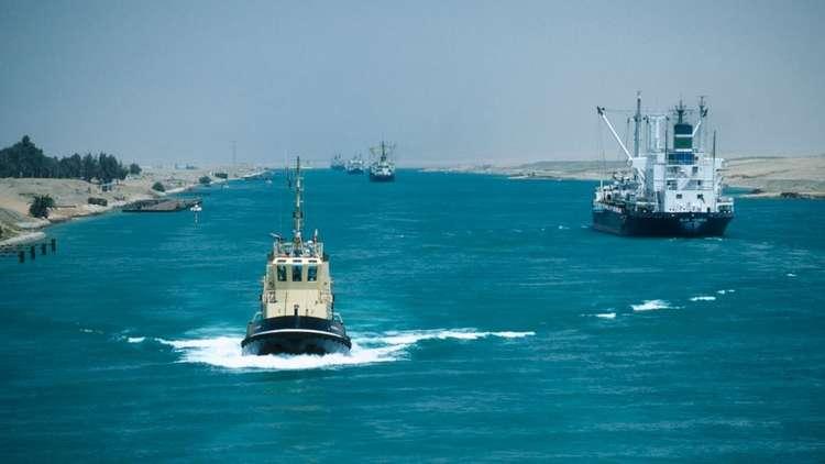 معدات قناة السويس المصرية تنجز قناة سلوي السعودية الجديدة