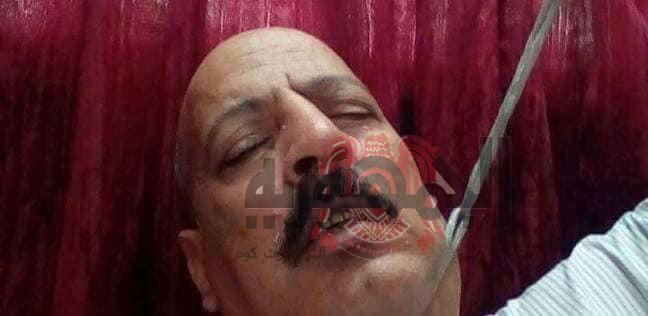 بالصور ..الأمين العام لحزب مصر 2000يضرب عن الطعام ويهدد بالانتحار في ميدان عام والسبب صادم