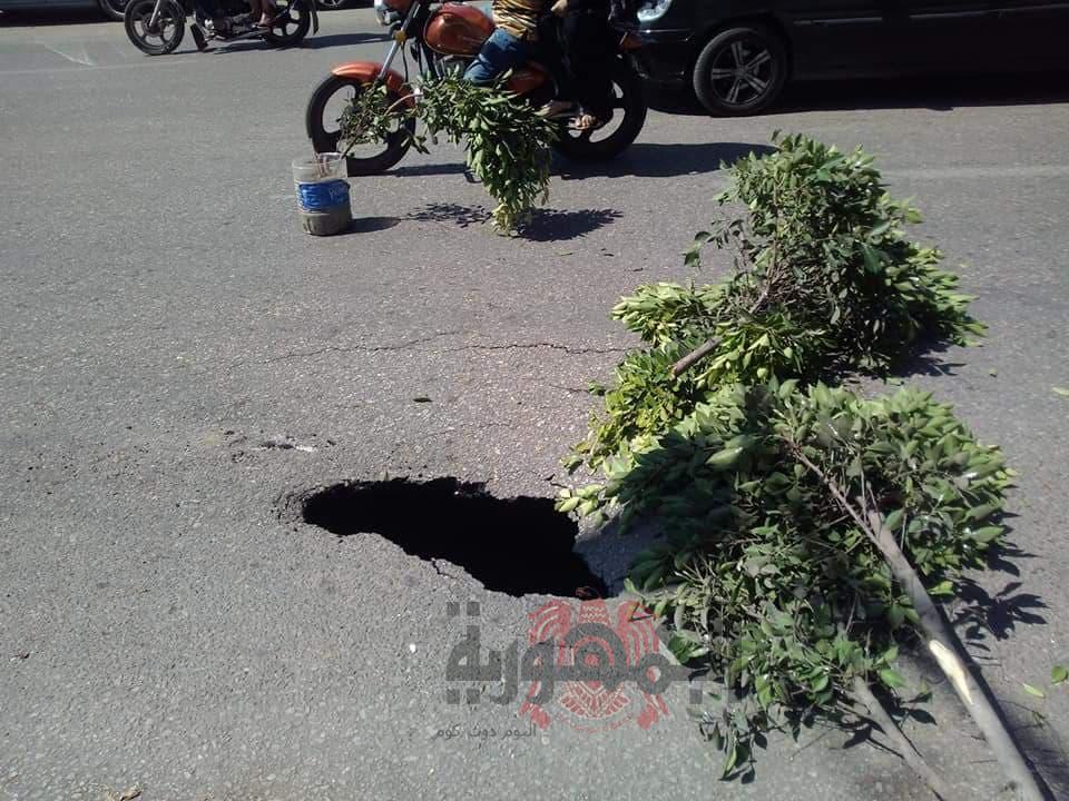 بالصور .. كارثة نحدث تحت الأرض من أمام محافظة دمياط