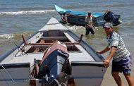بالصور..اختبارات المتقدمين لمنقذي شاطئ جمصه