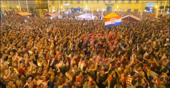 بالفيديو ...فرحة جماهير #كرواتيا بعد صعود منتخب بلادها لمباراة قبل النهائي